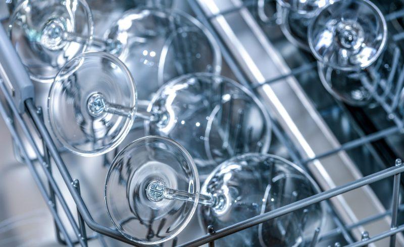 Le vinaigre blanc représente le produit idéal pour le détartrage de son lave vaisselle