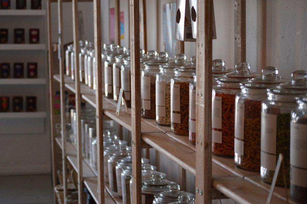 Les bocaux en verre permettent d'avoir zéro déchet dans la cuisine